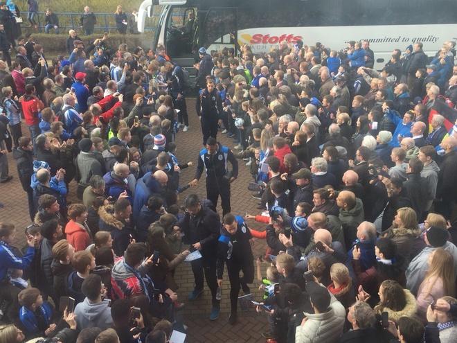 Tran Huddersfield vs Man City anh 10