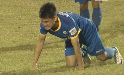 CLB Thanh Hoa tiep tuc bat bai o V.League 2017 hinh anh 11