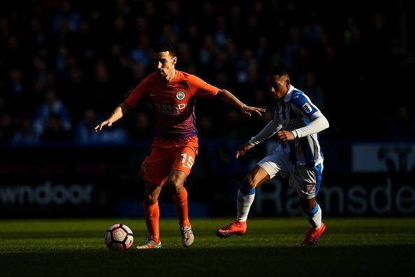 Tran Huddersfield vs Man City anh 16