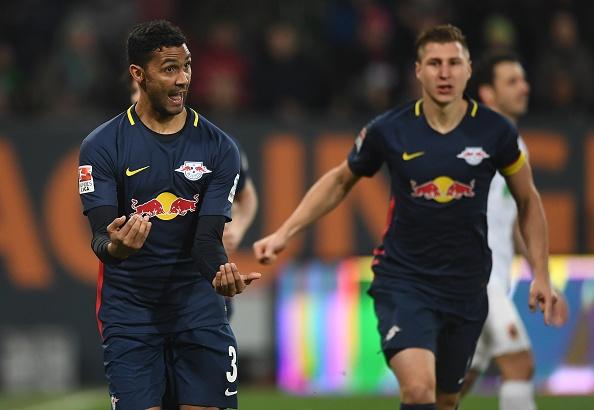 'Ngua o' Leipzig hut hoi trong cuoc dua voi Bayern hinh anh 1