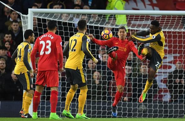 Liverpool 3-1 Arsenal: Arsene Wenger om dau that vong hinh anh 9
