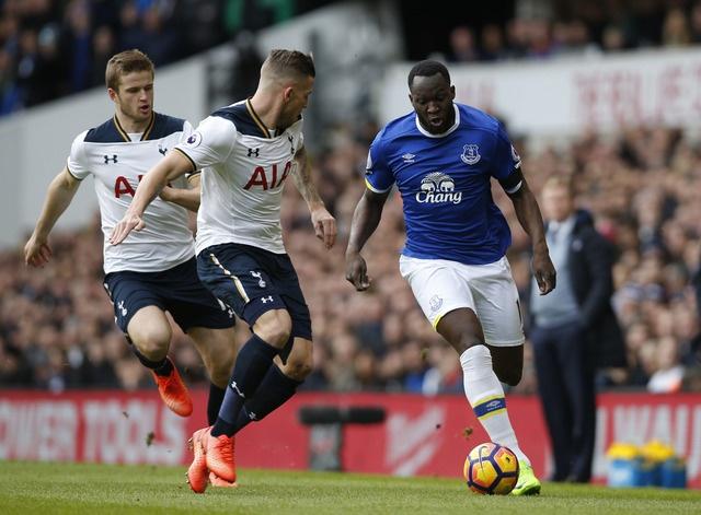 Tottenham 3-2 Everton: Harry Kane dan dau cuoc dua vua pha luoi hinh anh 16