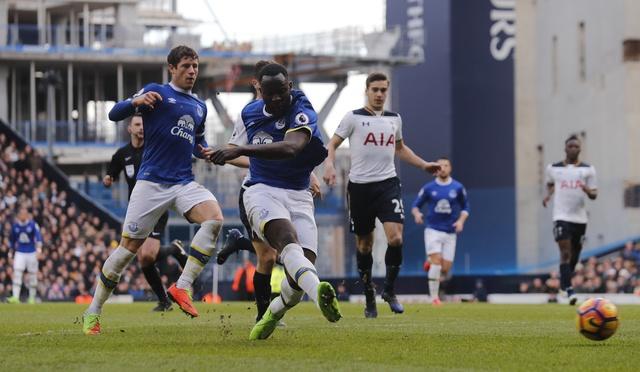 Tottenham 3-2 Everton: Harry Kane dan dau cuoc dua vua pha luoi hinh anh 24