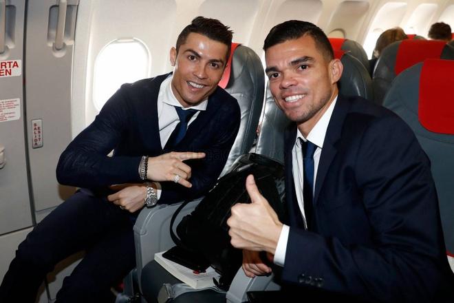 Ronaldo banh bao den Italy da luot ve vong 1/8 Champions League hinh anh 1