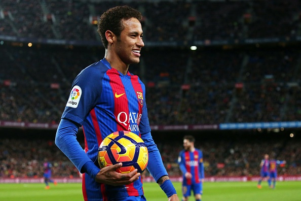 Neymar ca cuoc sut tung luoi PSG 2 lan voi dong doi hinh anh 1