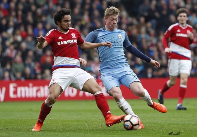 Aguero va David Silva dua Man City vao ban ket cup FA hinh anh 15