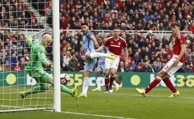 Aguero va David Silva dua Man City vao ban ket cup FA hinh anh 16