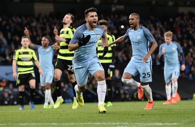 Aguero va David Silva dua Man City vao ban ket cup FA hinh anh 2