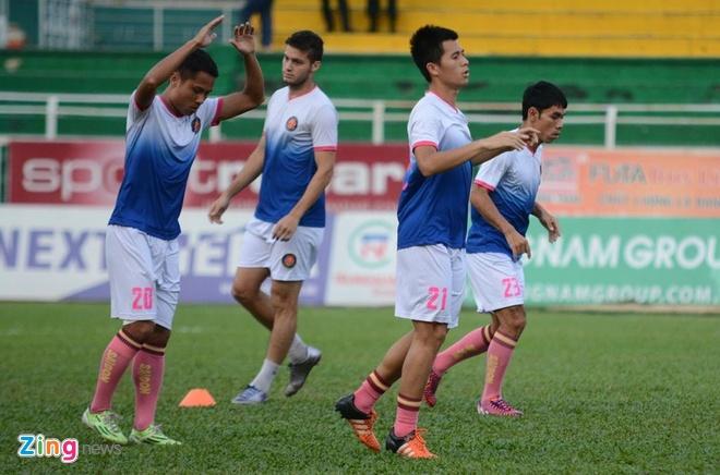 CLB Sai Gon thang SLNA 3-1, CLB Thanh Hoa tiep tuc bat bai hinh anh 16