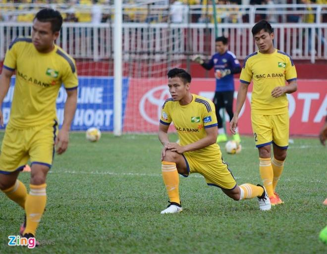 CLB Sai Gon thang SLNA 3-1, CLB Thanh Hoa tiep tuc bat bai hinh anh 17