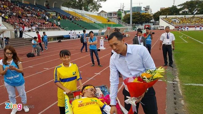 CLB Sai Gon thang SLNA 3-1, CLB Thanh Hoa tiep tuc bat bai hinh anh 18