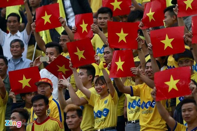 CLB Sai Gon thang SLNA 3-1, CLB Thanh Hoa tiep tuc bat bai hinh anh 19