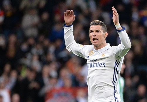 Ronaldo lap ky luc ghi ban bang dau o La Liga hinh anh