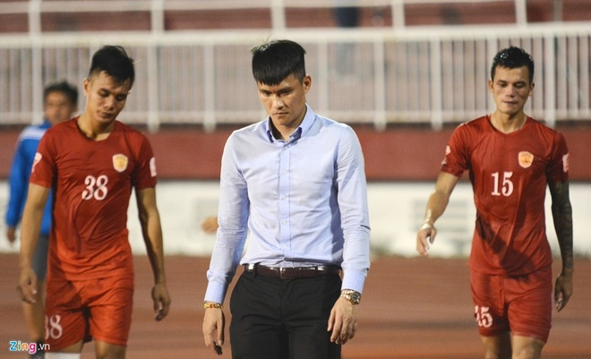 Trong tai bi phan ung sau khi CLB Thanh Hoa thua nguoc CLB Ha Noi 1-2 hinh anh 8