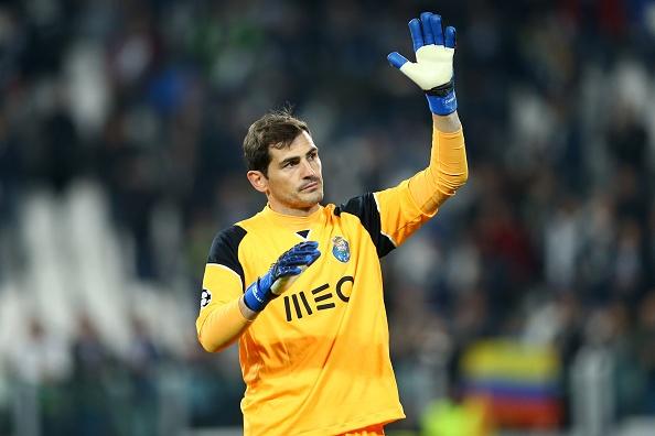 Iker Casillas mat vi tri o doi tuyen Tay Ban Nha hinh anh 1