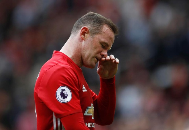 Huyen thoai MU khuyen Rooney giai nghe sau mua nay hinh anh 1