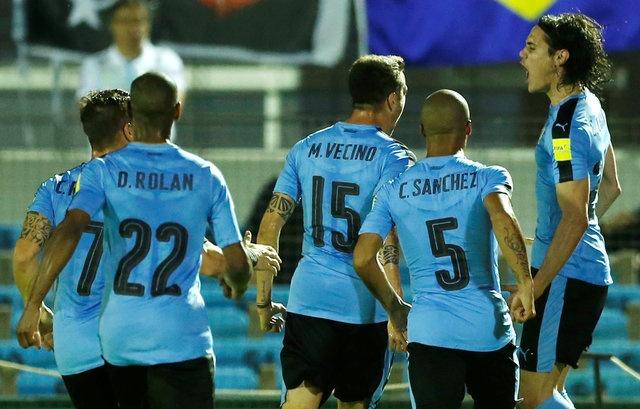 Tran Uruguay vs Brazil anh 8