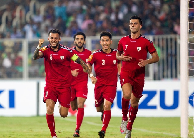 Afghanistan 1-1 DTVN: Cong Phuong da phat, Van Toan ghi ban hinh anh 10