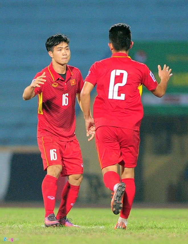 Afghanistan 1-1 DTVN: Cong Phuong da phat, Van Toan ghi ban hinh anh 12