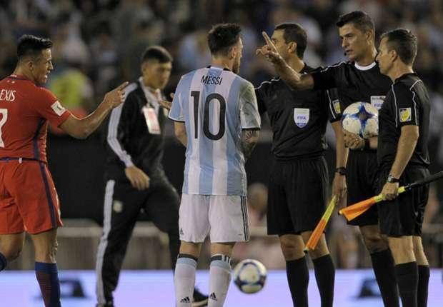 Messi doi dien an phat sau vu chui trong tai hinh anh 1