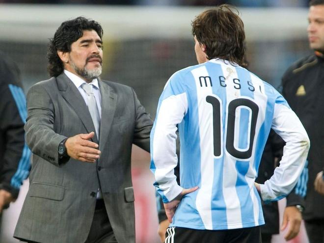 Messi khong tra loi dien thoai cua Maradona hinh anh 1