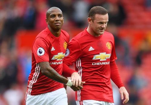Rooney ra san khi MU mat Ibrahimovic anh 1