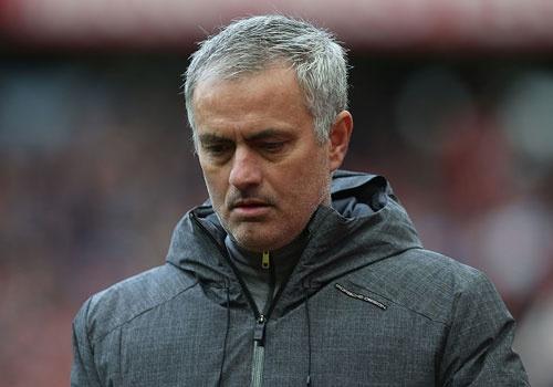 Mourinho khong hay hon Van Gaal khi dan dat MU hinh anh
