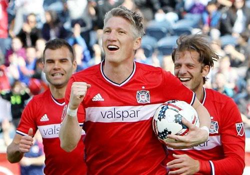 Schweinsteiger lan dau vao doi hinh tieu bieu MLS hinh anh