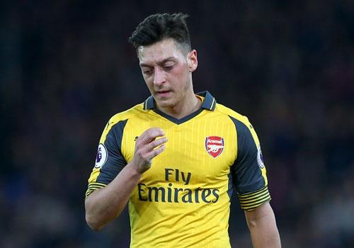 Arsenal thua Crystal Palace 0-3, hut hoi trong cuoc dua top 4 hinh anh