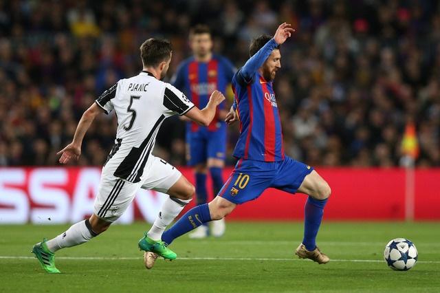 Messi gay that vong, Barca bi loai khoi Champions League hinh anh 21