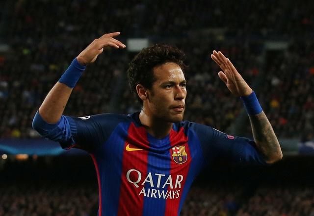 Messi gay that vong, Barca bi loai khoi Champions League hinh anh 26