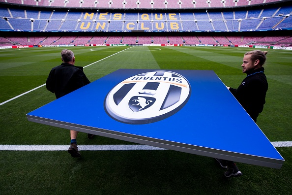 Messi gay that vong, Barca bi loai khoi Champions League hinh anh 9
