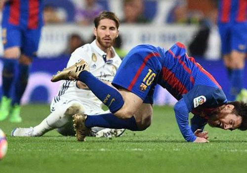 'Cau thu Real luon co tinh triet ha Messi' hinh anh