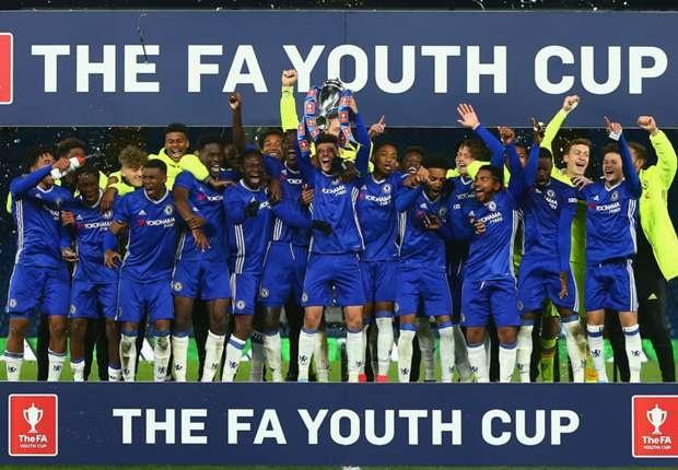 Doi tre Chelsea vo dich cup FA anh 1