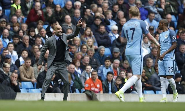 Man City vs Crystal Palace (5-0): Thay tro Guardiola vao top 3 hinh anh 12