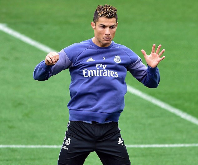 Ronaldo san sang kiem them hat-trick trong su nghiep hinh anh 4