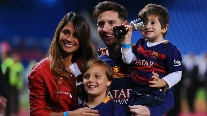 Messi an dinh ngay to chuc cuoi ban gai lau nam hinh anh 1