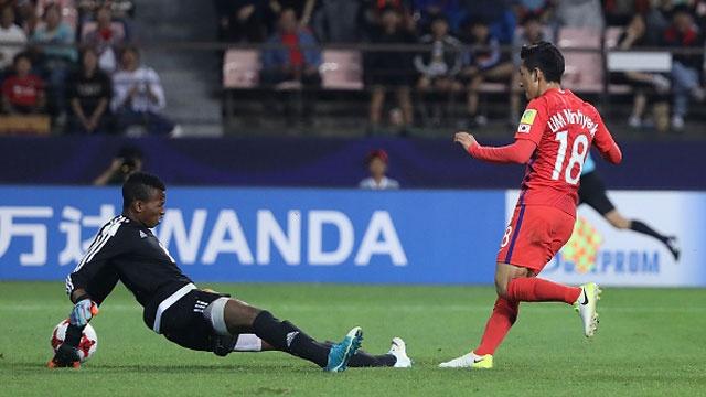 U20 Han Quoc vs U20 Guinea (3-0): Chu nha ra quan an tuong hinh anh