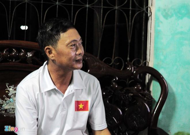 Canh sat va xe chong bao dong bao ve tran dau cua U20 Viet Nam hinh anh 14