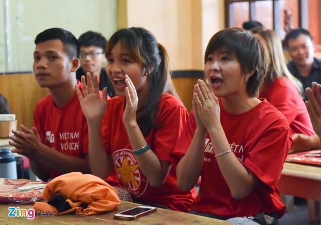 U20 Viet Nam 0-4 U20 Phap: Dinh Trong nhan the do hinh anh 39