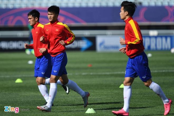 U20 Viet Nam 0-4 U20 Phap: Dinh Trong nhan the do hinh anh 26