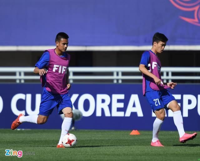 U20 Viet Nam 0-4 U20 Phap: Dinh Trong nhan the do hinh anh 32