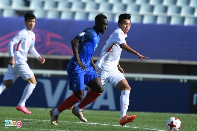 U20 Viet Nam 0-4 U20 Phap: Dinh Trong nhan the do hinh anh 40