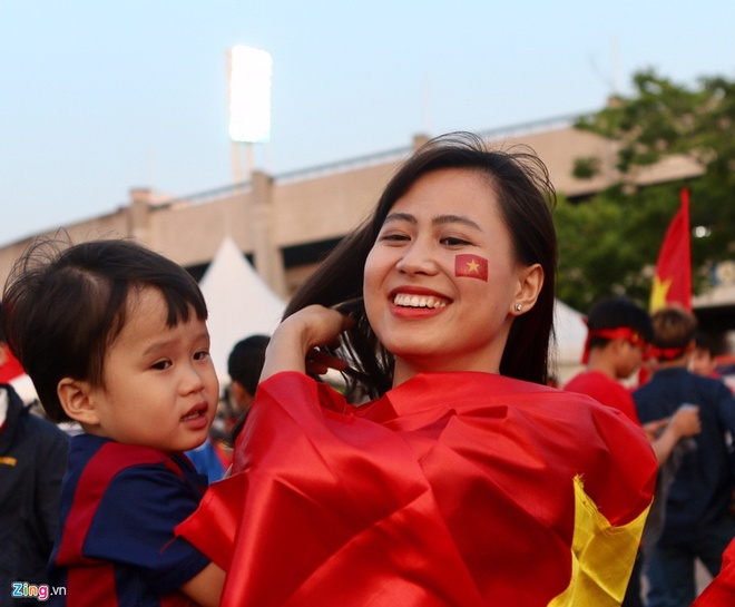 U20 Viet Nam 0-4 U20 Phap: Dinh Trong nhan the do hinh anh 5