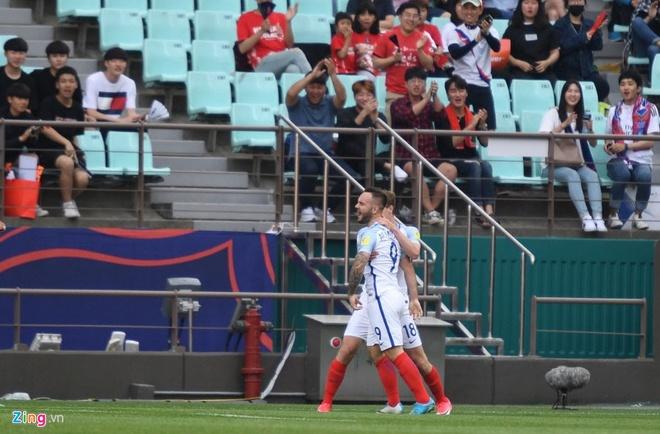 U20 Duc guc xuong san khi thua U20 Zambia 3-4, U20 Anh vao tu ket hinh anh 2