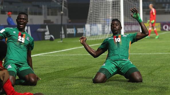 U20 Duc guc xuong san khi thua U20 Zambia 3-4, U20 Anh vao tu ket hinh anh 1