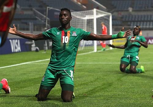 U20 Duc guc xuong san khi thua U20 Zambia 3-4, U20 Anh vao tu ket hinh anh