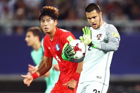 U20 Duc guc xuong san khi thua U20 Zambia 3-4, U20 Anh vao tu ket hinh anh 8
