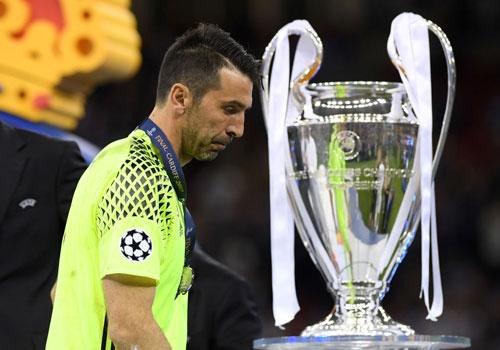 Doi hinh 11 cau thu lung danh chua vo dich Champions League hinh anh