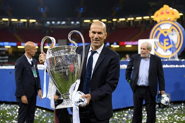 Real thuong cho HLV Zidane hop dong moi anh 1